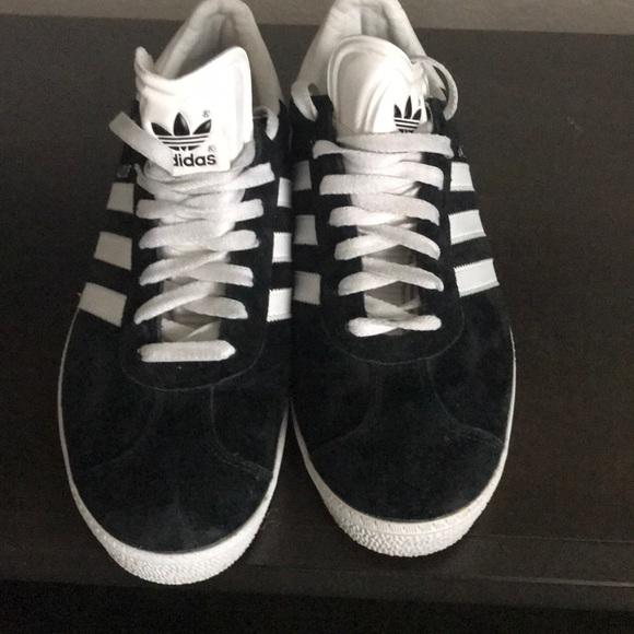 Adidas zapatos hombre  negro blanco Silver Metallic poshmark gacela